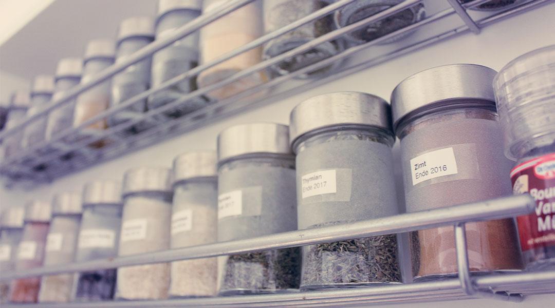 Ordnung in der Küche – mit kleinen Hilfsmitteln